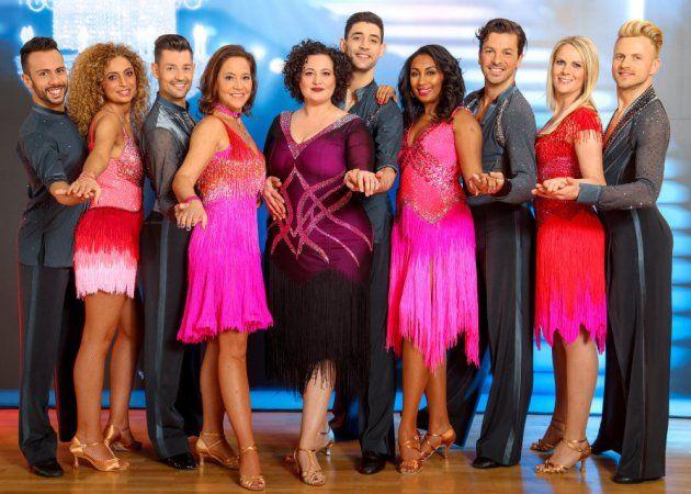 Gruppen-Tanz bei den Dancing Stars 31.3.2017 - alle Paare mit den Promi-Damen