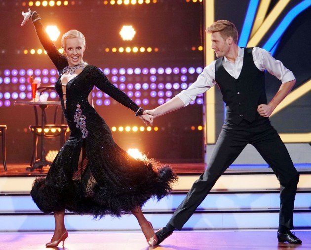 Maximilian Arland und Isabel Edvardsson bei Let's dance 17.3.2017