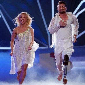 Kathrin Menzinger - Heinrich Popow scheiden verletzt aus vor Let's dance am 26.5.2017