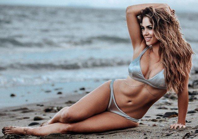Jessica Paszka 2017 am Strand