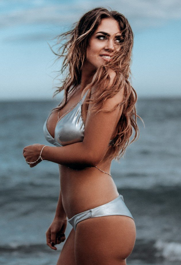 Jessica Paszka im Bikini - Bachelorette 2017
