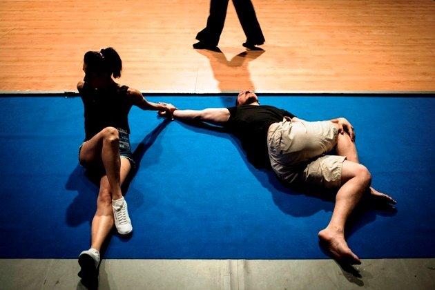Ausruhen oder Dehnen - Tanzpaar bei den World Games 2017