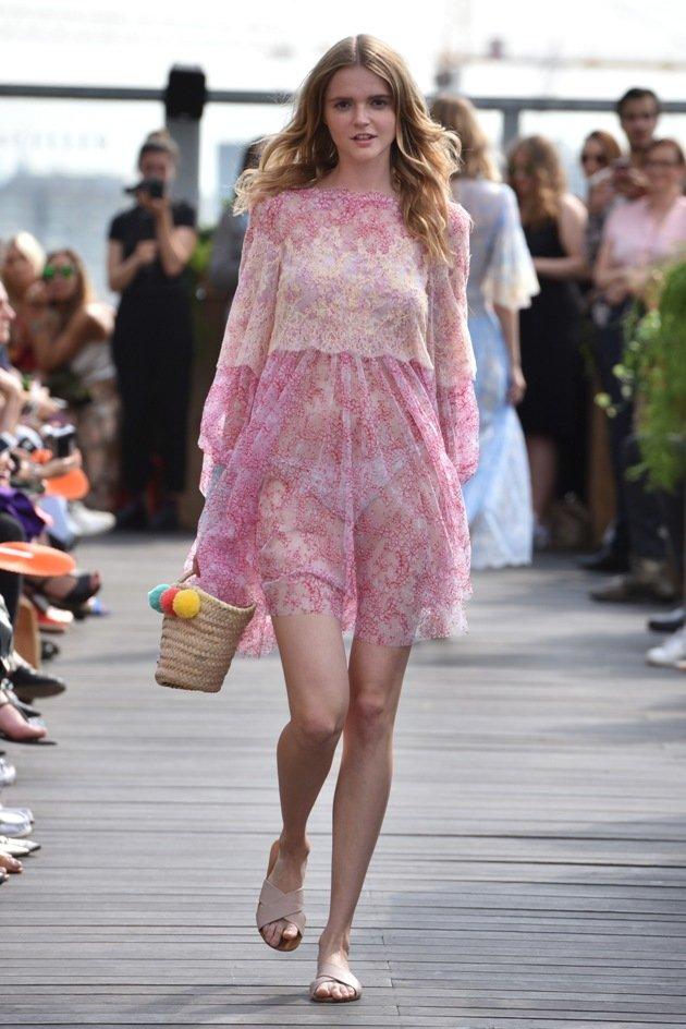 Babydoll-Kleid Sommermode 2018 von Lana Mueller Fashion Week Berlin Juli 2017