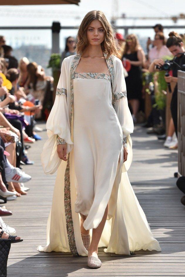 Elegantes Sommer-Outfit Sommermode 2018 Lana Mueller Fashion Week Berlin Juli 2017