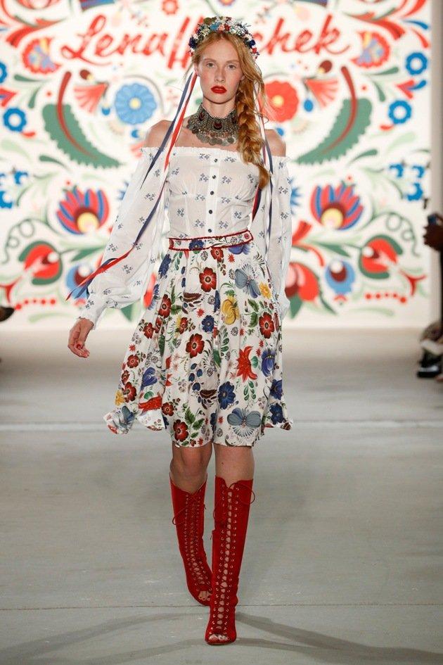 Folklore von Lena Hoschek Sommermode 2018 Fashion Week Berlin Juli 2017