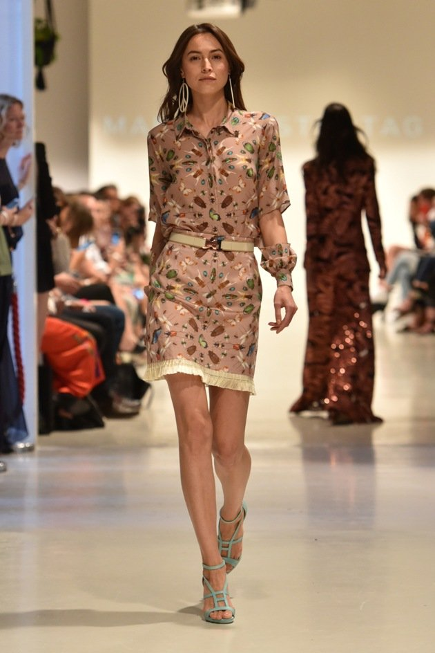 Kurzes Kleid Sommermode 2018 von Marcel Ostertag Fashion Week Berlin 2017