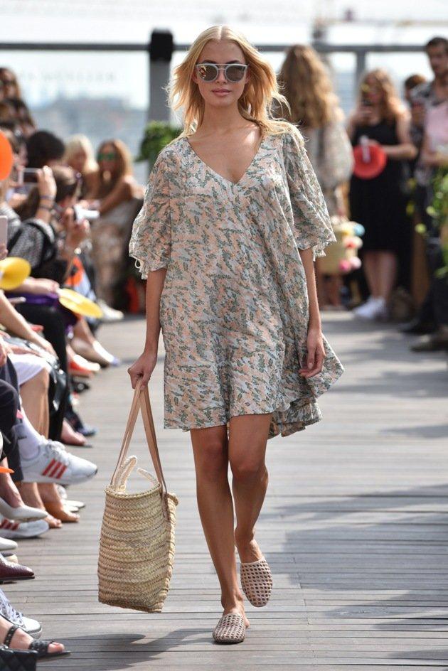Kurzes Sommerkleid Sommermode 2018 Lana Mueller Fashion Week Berlin Juli 2017