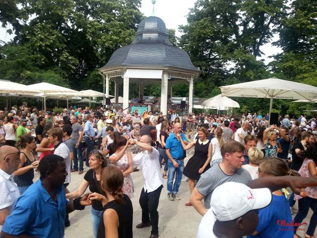 Salsa tanzen in Leipzig am 29.7.2017 am Musikpavillon