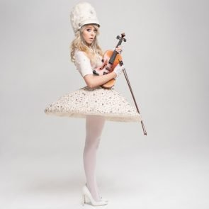Lindsey Stirling - Weihnachtsmusik-Album Warmer In The Winter