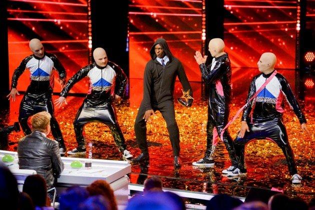 Baba Yega - Kandidaten im Finale Supertalent 2017 hier mit Bruce Darnell