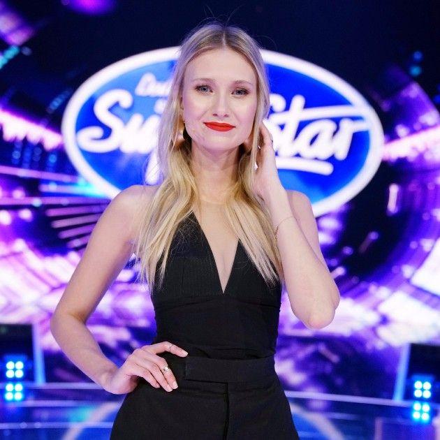 Carolin Niemczyk in der 1. Live-Show DSDS am 14.4.2018