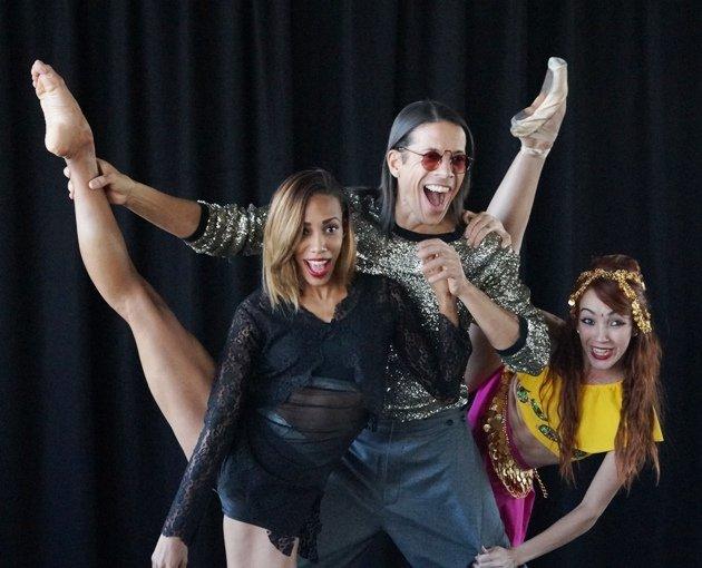 Jorge Gonzalez und Tänzerinnen Barbara Lisandra Patterson Sanchez und Mariem Valdes Martínez - 2