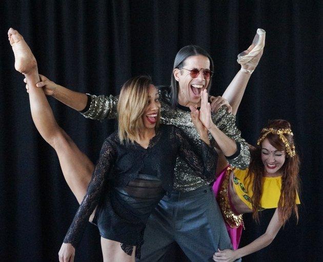 Jorge Gonzalez und Tänzerinnen Barbara Lisandra Patterson Sanchez und Mariem Valdes Martínez - 4
