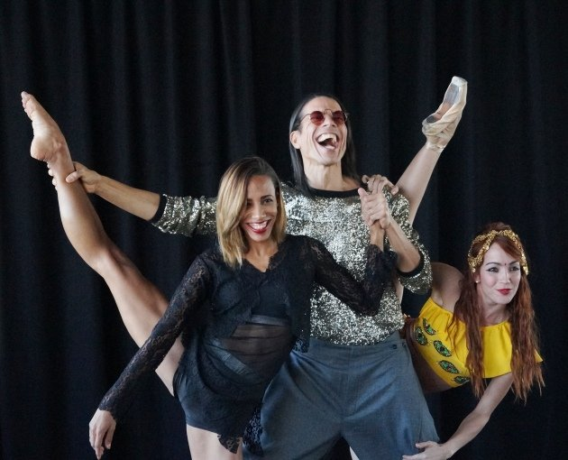 Jorge Gonzalez und Tänzerinnen Barbara Lisandra Patterson Sanchez und Mariem Valdes Martínez - 6