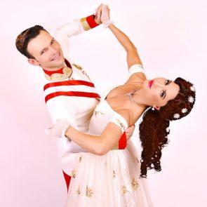 Kathrin Menzinger - Vadim Garbuzov mit Sissi zur Kür-WM 2017