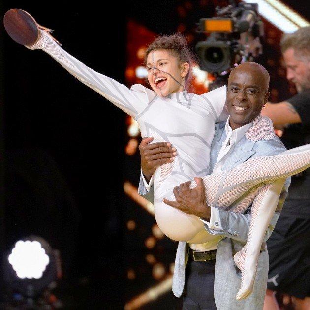 Stefanie Millinger - Kandidatin im Finale Supertalent 2017 hier mit Bruce Darnell