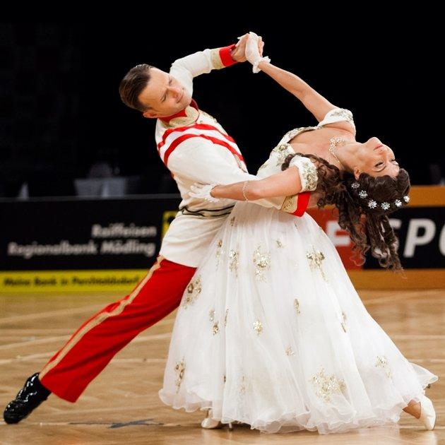Vadim Garbuzov - Kathrin Menzinger Weltmeister 2017 Show Dance Standard
