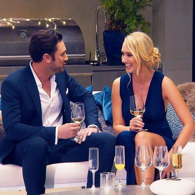 Janina und Daniel im Gespräch beim Bachelor am 10.1.2018