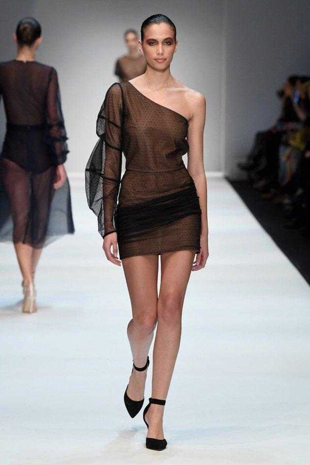 Kurzes schwarzes Kleid von Ewa Herzog im Nude-Look - 1 - 06