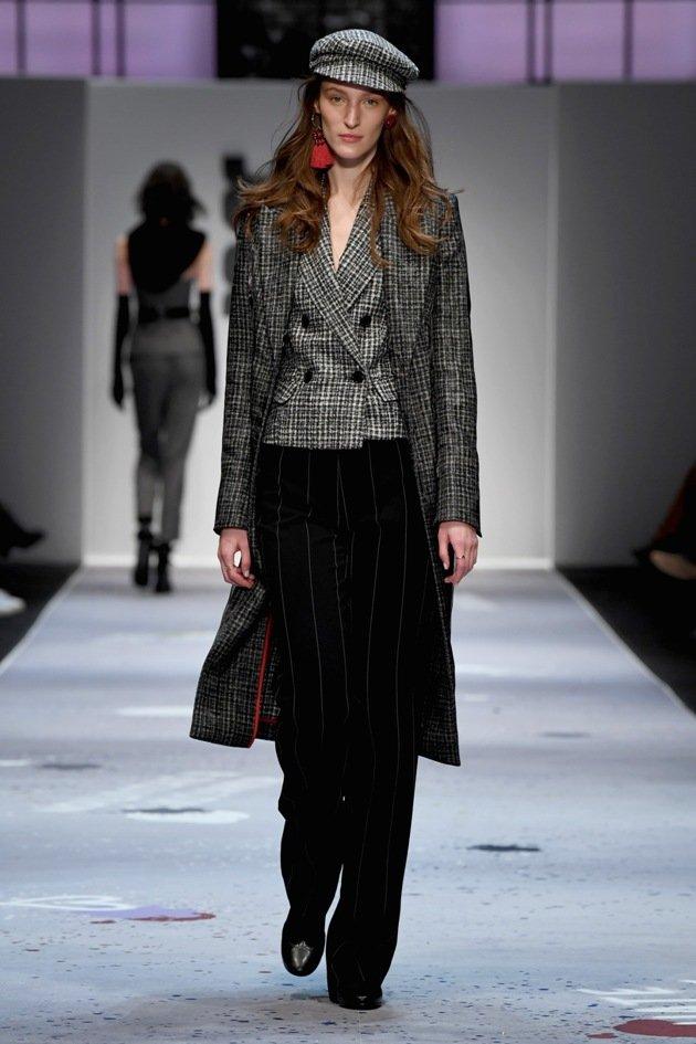 RIANI Herbst-Wintermode 2018-2019 - MBFW Fashion Week Berlin Januar 2018 - 2 - 01