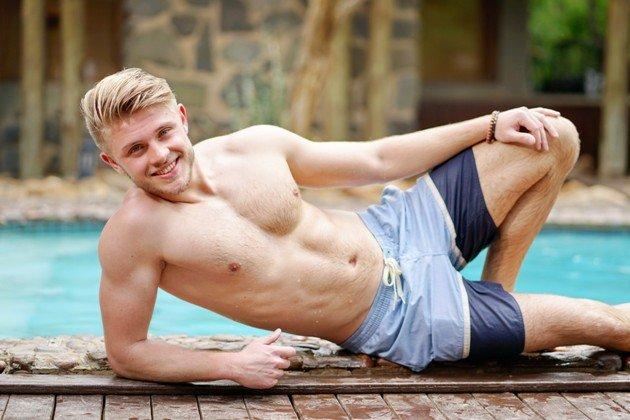 Sven Lüchtenborg am Pool in Badehose - Recall DSDS 2018 Südafrika