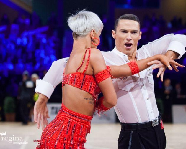 Pixie Cut Variante der Latein-Tänzerin Khrystyna Moshenska mit Marius-Andrei Balan