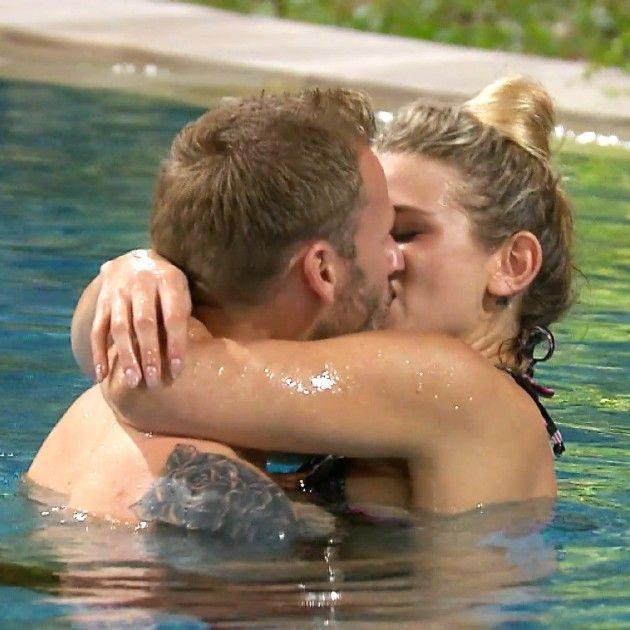 Bachelor in Paradise 2018 am 16.5.2018 - Der erste Kuss - Christian und Saskia