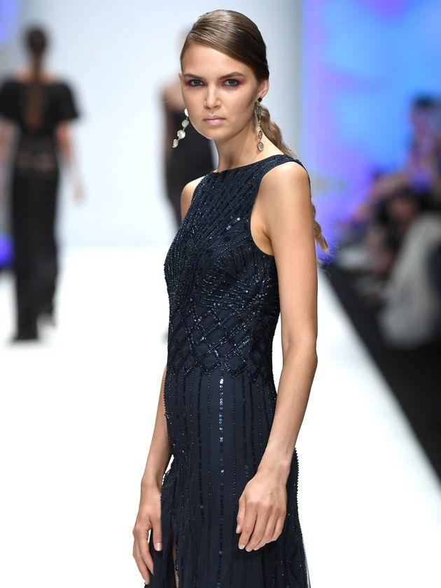 Edles Abendkleid Mode 2019 bei Guido Maria Kretschmer zur MBFW bei der Fashion Week Berlin Juli 2018