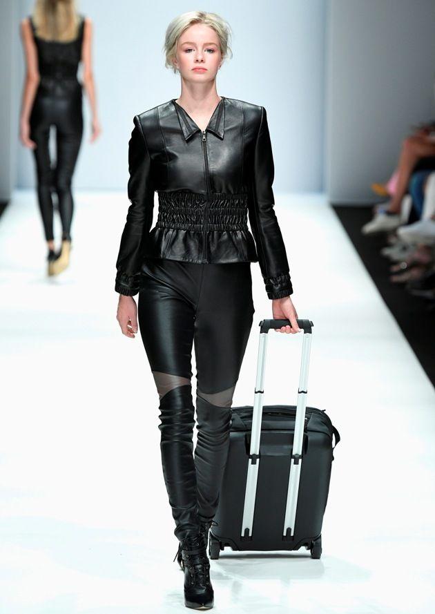Leder in der Sommermode 2019 von Maisonnoee zur MBFW auf der Fashion Week Berlin