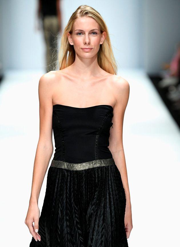 Modefarbe Schwarz Sommer 2019 von Maisonnoee zur MBFW auf der Fashion Week Berlin