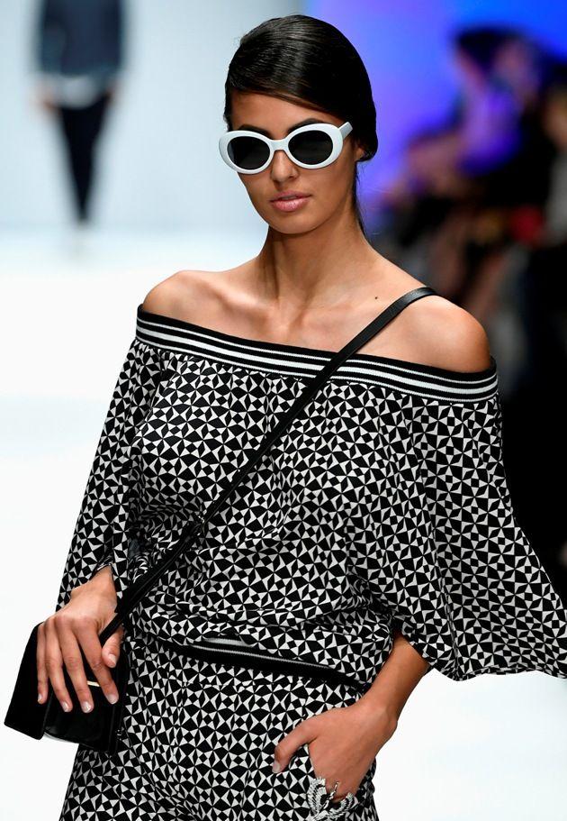 Schwarz-Weiss-Muster Sommermode 2019 bei Guido Maria Kretschmer zur MBFW bei der Fashion Week Berlin Juli 2018