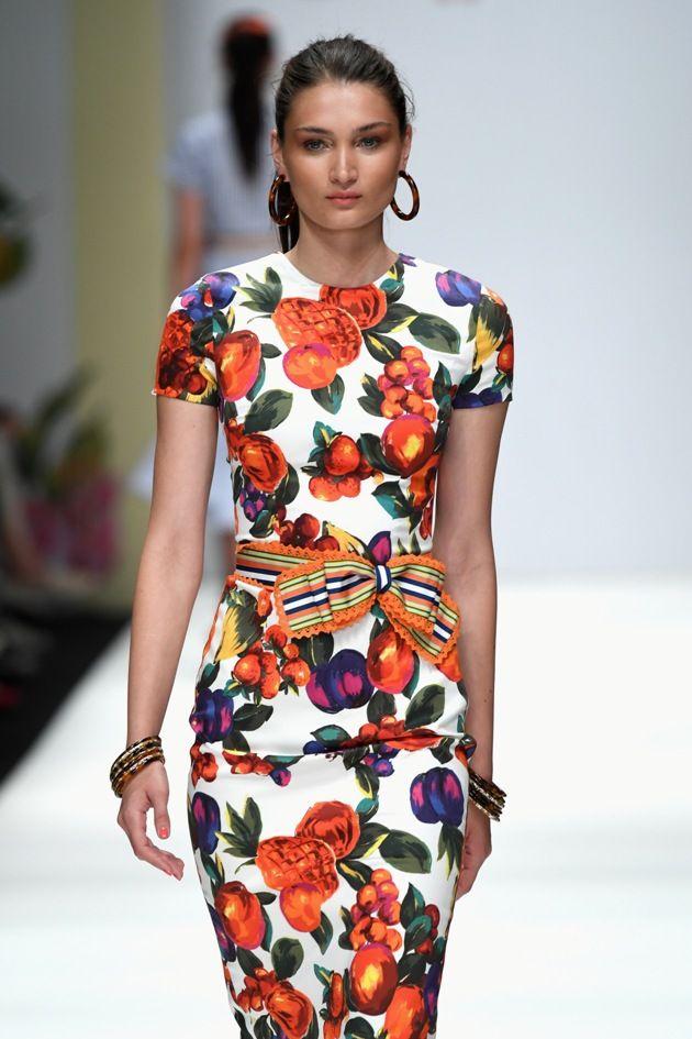 Sommerkleid von Lena Hoschek Mode 2019 MBFW zur Fashion Week Berlin - 05