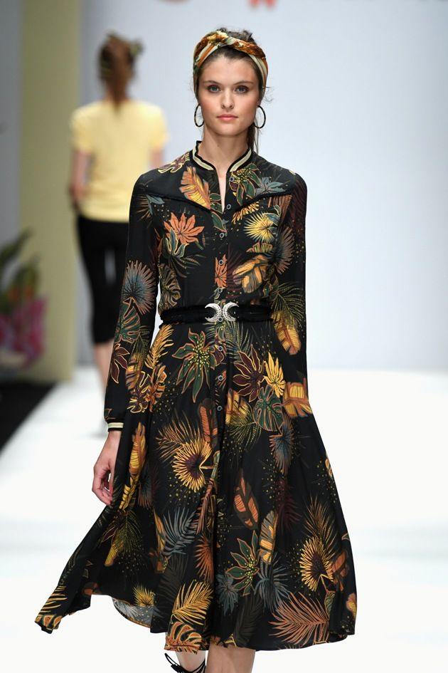 Sommerkleid von Lena Hoschek Mode 2019 MBFW zur Fashion Week Berlin - 06
