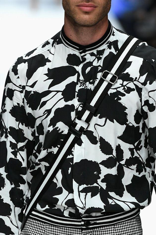 florales Schwarz-Weiss-Muster in der Männermode 2019 bei Guido Maria Kretschmer zur MBFW bei der Fashion Week Berlin Juli 2018