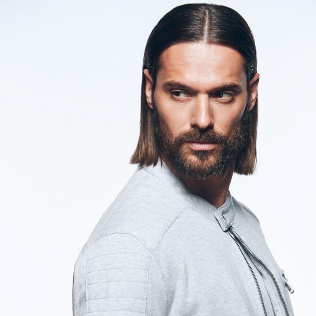 Männerfrisur für lange Haare im Wet Look