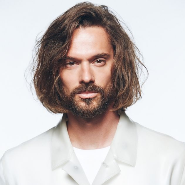 Messy-Hair-Look für Männer mit langen Haaren