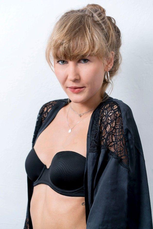 Julia W. bei Sylvies Dessous Models