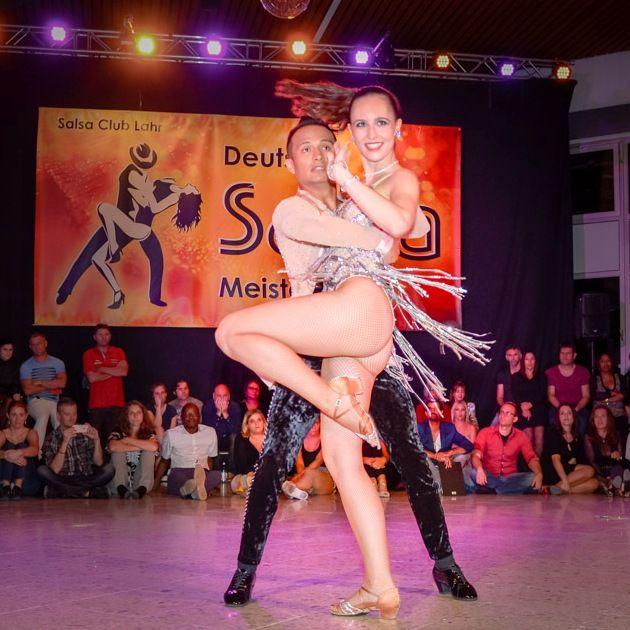 Oliver Chimbo – Julia Pöschel vom TSC Astoria Karlsruhe - Deutsche Salsa Meister 2018