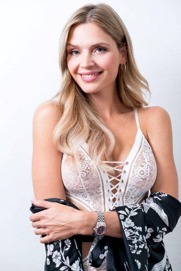 Susanna bei Sylvies Dessous Models