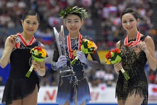 Eiskunstlauf Grand Prix NHK Trophy 2018 - Medaillengewinnerinnen - Satoko Miyahara, Rika Kihira und Elizaveta Tuktamsheva