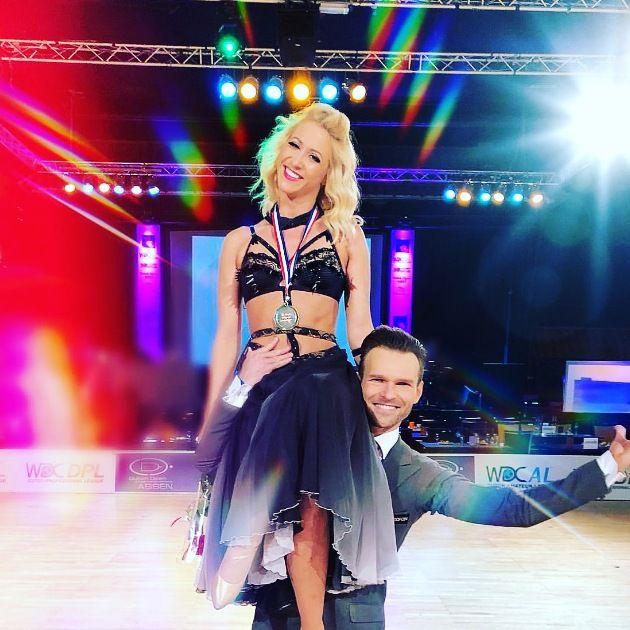 Erfolg für Profi-Tanzpaare aus Deutschland und Österreich zur WM Showdance Standard 2018 - hier Kathrin Menzinger - Vadim Garbuzov