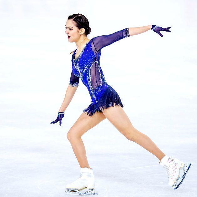 Evgenia Medvedeva im Kurzprogramm Eiskunstlauf-Saison 2018-2019