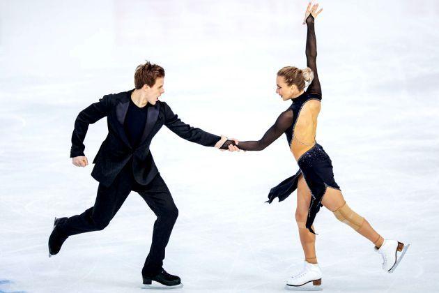 Victoria Sinitsina - Nikita Katsalapov im Kurzprogramm Eiskunstlauf-Saison 2018-2019
