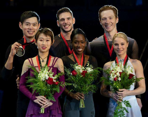 Eiskunstlauf Grand Prix Finale 2018 Siegerehrung Paare