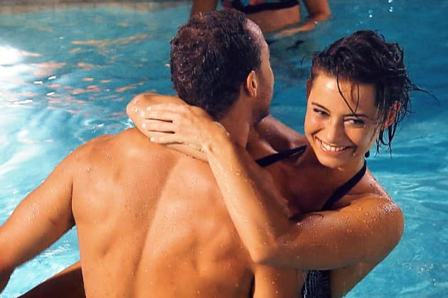 Bachelor 2019 am 30.1.2019, wieder Kiss & Cry, wer fliegt raus - hier Andrej mit Jenny im Pool