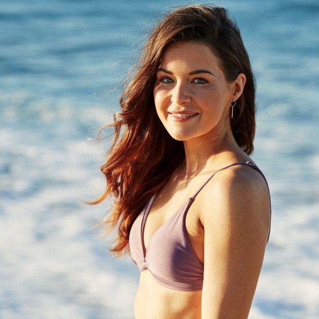 Claudia G Bachelor 2019 Kandidatin im Bikini