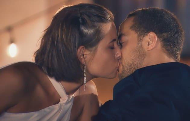 Der erste Kuss beim Bachelor 2019 Jennifer und Andrej