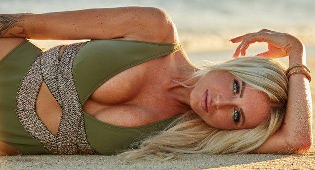 Jade Bachelor 2019 Kandidatin am Strand