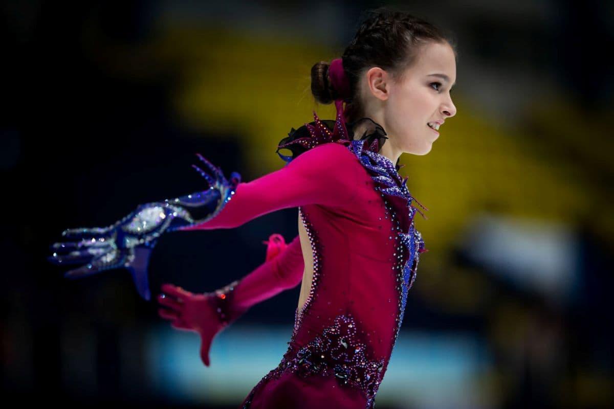 Anna Shcherbakova - Vize-Weltmeisterin - Junioren-Eiskunstlauf-WM 2019