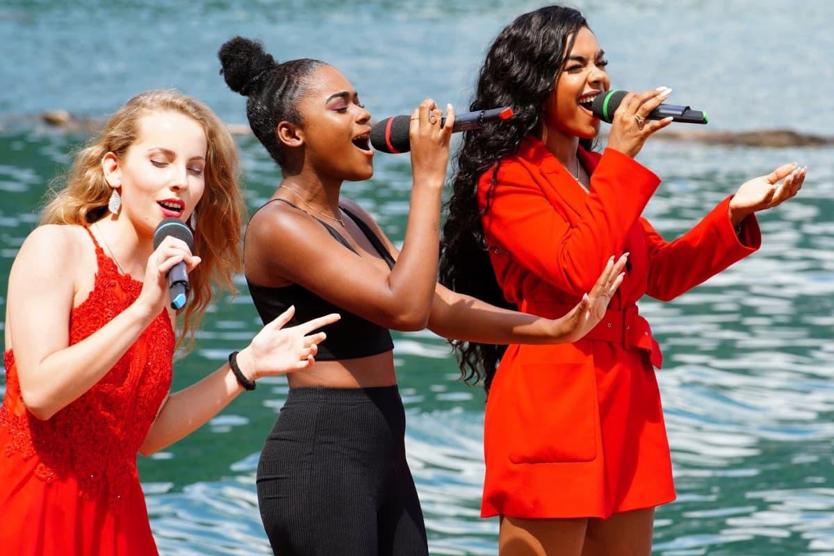 Clarissa Schöppe, Jayla Ndoumbe Epoupa und Alicia-Awa Beissert bei DSDS am 9.3.2019